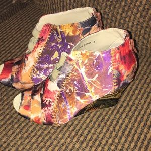 Beautiful wedges multi color size 6 shoes